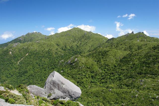黒味岳山頂から望む宮之浦岳