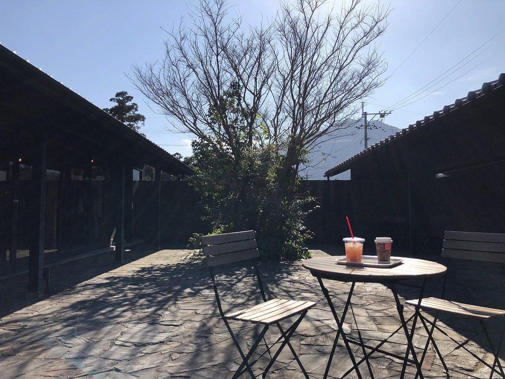 トロピカルジュース&カフェ